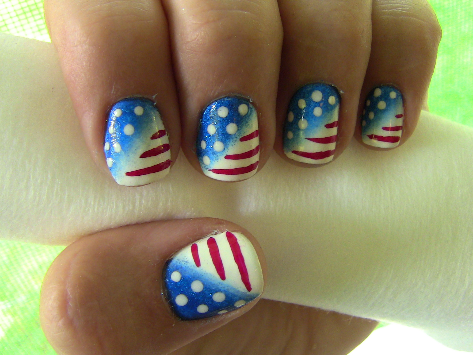 4th of july nail art more so why not do your own nails and save some money this makeup sponge technique creates a professional airbrushed look prinsesfo Images