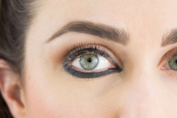 5 eyeliner rules most women break and how to redeem for Tattoo eyeliner bottom lid