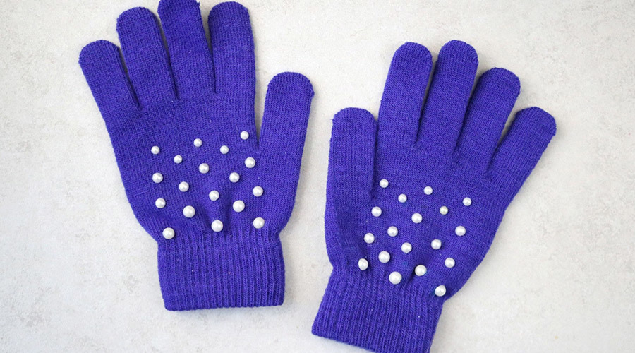 Pearl-Studded Gloves
