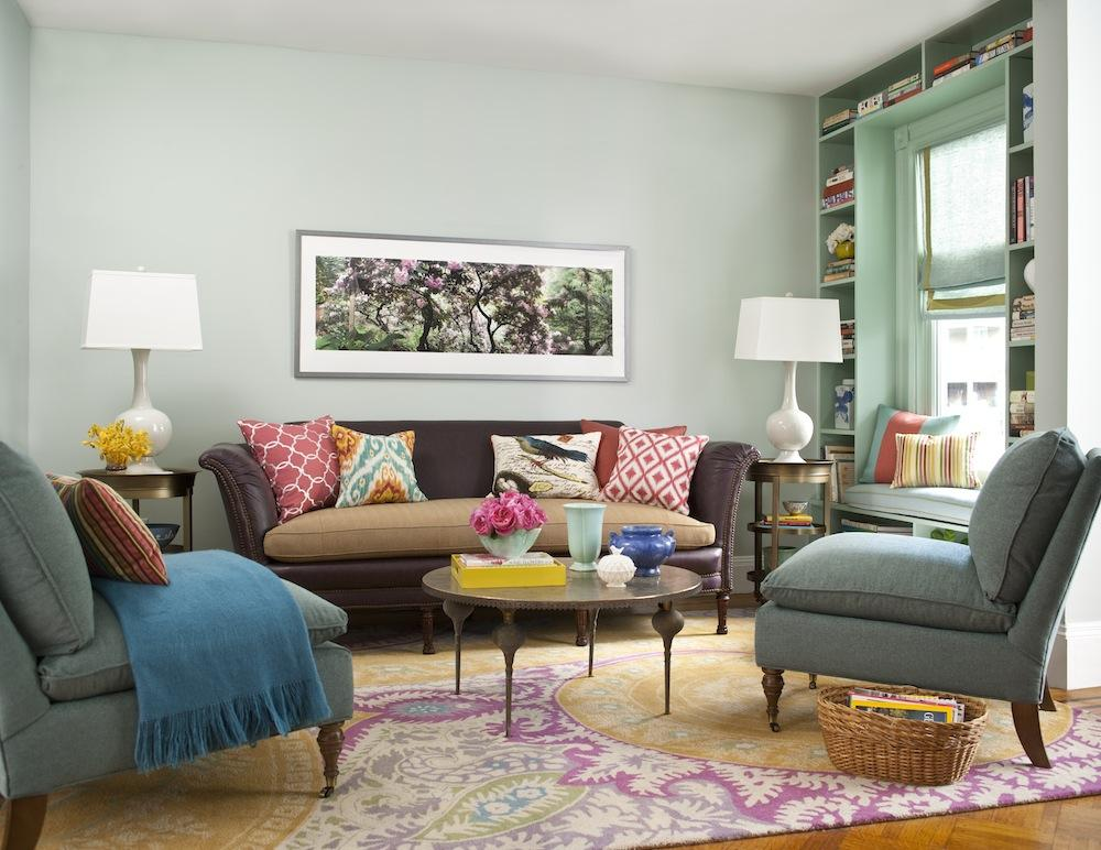 Spend or save tips for furnishing and decorating your - Decor ideas for living room apartment ...