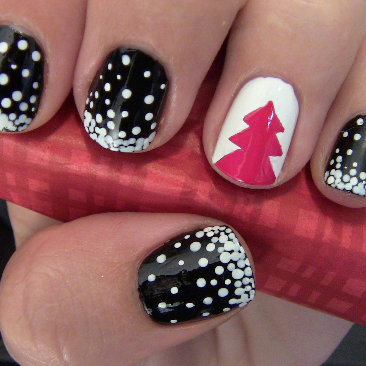 Christmas tree nail art design more prinsesfo Gallery