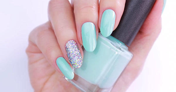 Create Your Own Unique Shades of Nail Polish With This DIY
