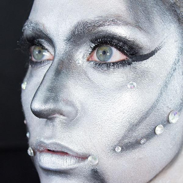 Halloween Makeup Power Up This Robotic Look | More.com