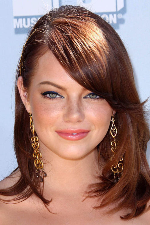 Flattering short hairstyles for round faces more emma stone urmus Gallery
