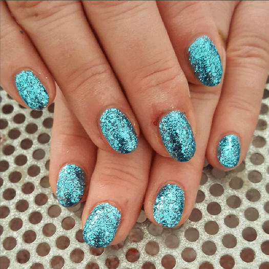 these sparkly nails are glitterally to die for morecom