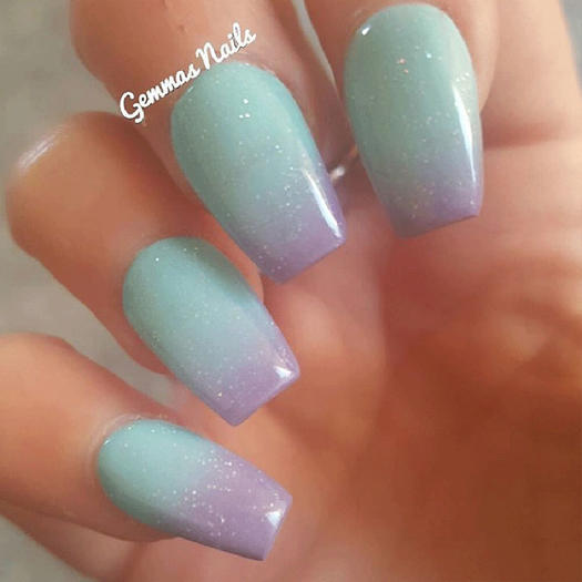 These sparkly nails are glitter ally to die for for Nageldesign ombre