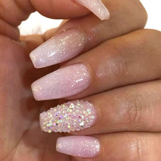 These sparkly nails are glitter ally to die for more white glitter ombre nails prinsesfo Image collections
