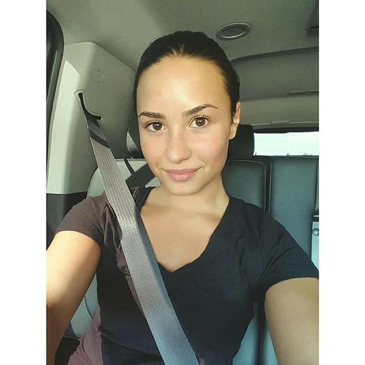 stunning celebrity nomakeup selfies. Black Bedroom Furniture Sets. Home Design Ideas