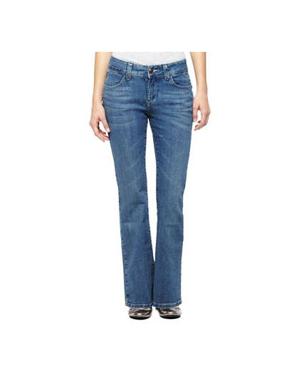 The Perfect Fit: Ten Figure-Flattering Jeans for Real Women | more.com