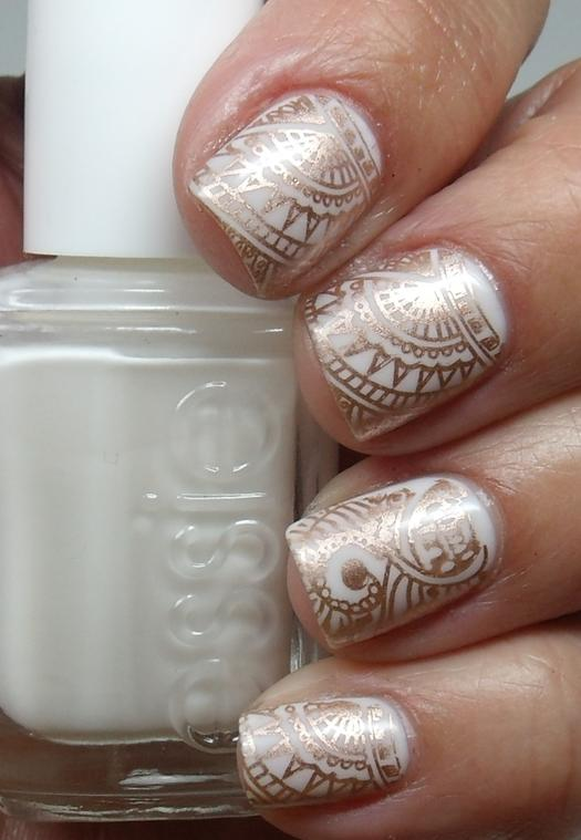 16 henna tattoos youll want this summer more henna inspired nail art prinsesfo Choice Image