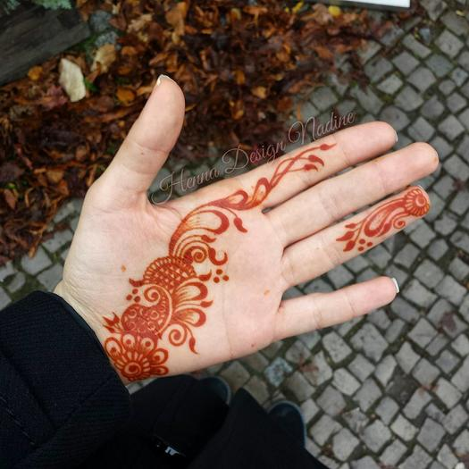 Mehndi For Inner Hand : Henna designs for hands we re dying to try out more