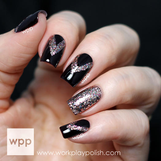 23 metallic nail polish designs we want to wear this holiday shimmering accent nail art prinsesfo Image collections