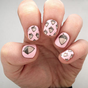 Update Your Fall Nails with This Fun Acorn Design