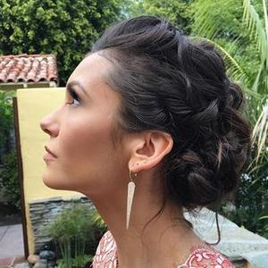 How to Get Nina Dobrev's Golden Globes Hair