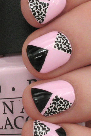 Nail Art: Take a Walk on the Wild Side with Pink Geometric Leopard Spots