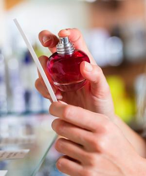 How to Choose a New Fragrance: Tips for Picking the Perfect Scent