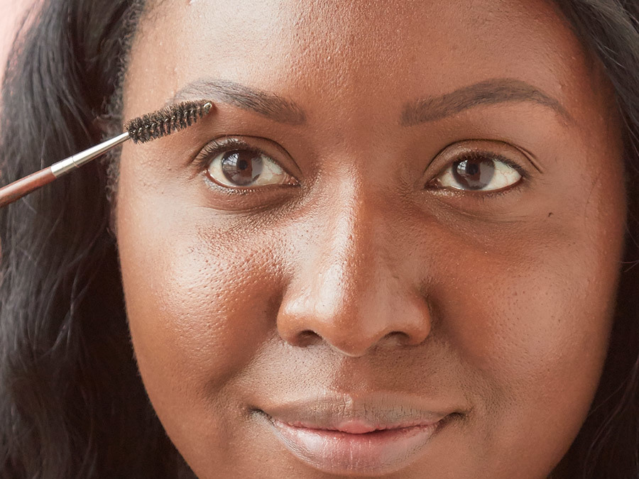 How to Fill in Brows With Pencil Step 2