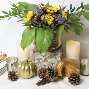 Create a Floral Thanksgiving Centerpiece to Impress the Whole Family