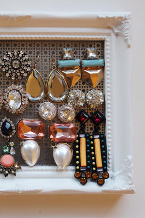 Jewelry Storage Made Easy: DIY Jewelry Holder