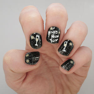 A Tutorial to Toast: Fun Nail Art for the New Year