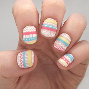 Perfectly Pastel Aztec Nail Art to Try