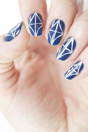 Geometric Nail Art: A Kitchen Tile Pattern That Wows