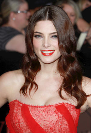 Get the Look: Ashley Greene, Ravishing in Red