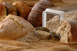 Living Gluten-Free: Celiac Disease, Wheat Allergies and Gluten Intolerance