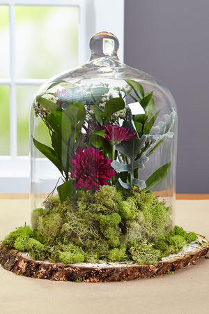 DIY Wedding Centerpieces: Floral Cloche