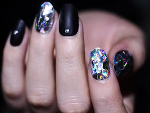 Diamond Nail Art Is One More Reason You Don't Need A Ring On It
