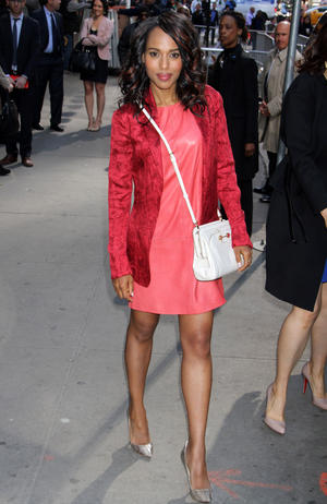 Get the Look: Kerry Washington's Chic Coral Ensemble