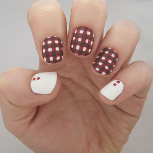 Go Gingham: Plaid Fall Nail Art