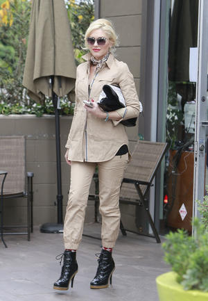 Gwen Stefani's Chic City Safari Style