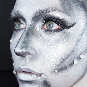 Halloween Makeup: Power Up This Robotic Look