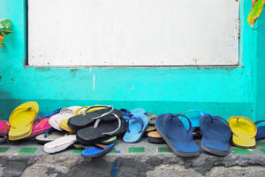 Are Your Flip-Flops Flattering or Furthering Foot Damage?