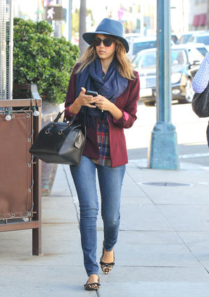 Get the Look: Jessica Alba's Subtle Mixed Prints