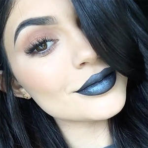 Learn How to Get Kylie Jenner's Edgy Look with One Killer Tutorial