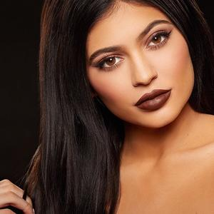 Kylie Jenner Lip Kits Sell Out in Minutes, But is the Product Any Good?