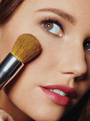 Makeup Artists' Secret Weapon: Powder