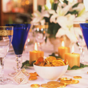 Creating Holiday Tabletops on a Budget