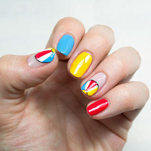 Summer Nails: Playful Beach Nail Design