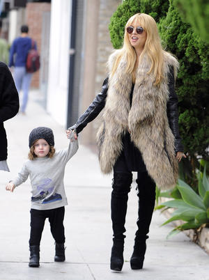 Get the Look: Rachel Zoe Rocks a Fur Vest