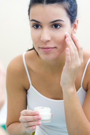Skin Care Basics: The Four Things You Must Do Before Bed