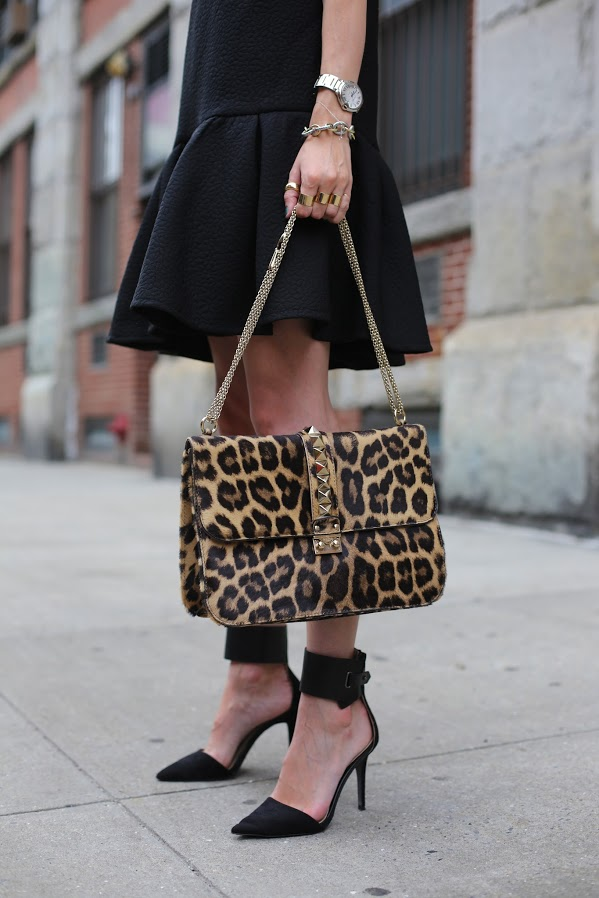 b757471c02b7aa Blair's studded leopard handbag is up-to-the-minute trendy. Size-wise, it's  the same perfect medium as Helena's Chanel. Print-wise, it's a must-have  for ...