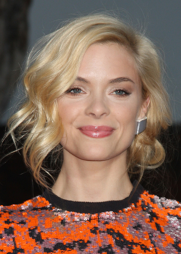 Jaime King Updo A Holiday Hairstyle For Short Hair More Com
